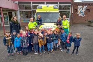 Ambulance op school!